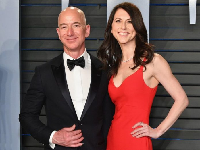 Amazon's CEO Jeff Bezos and His Wife Are Getting Divorced after 25 Years of Marriage