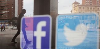 Russia opens administrative proceedings against Facebook and Twitter
