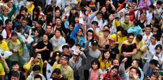 Taiwan becomes the first asian country to approve same-sex marriage